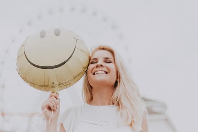 cách cảm thấy hạnh phúc hơn