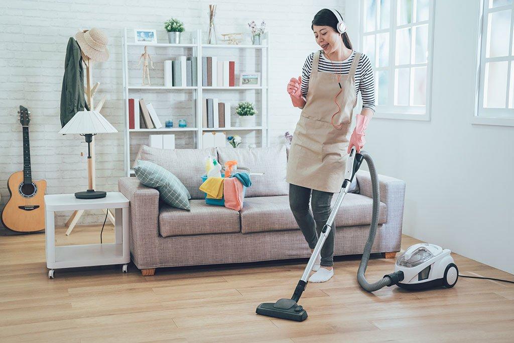 10 cách lau dọn nhà cửa nhanh chóng - HUGGIES® Việt Nam