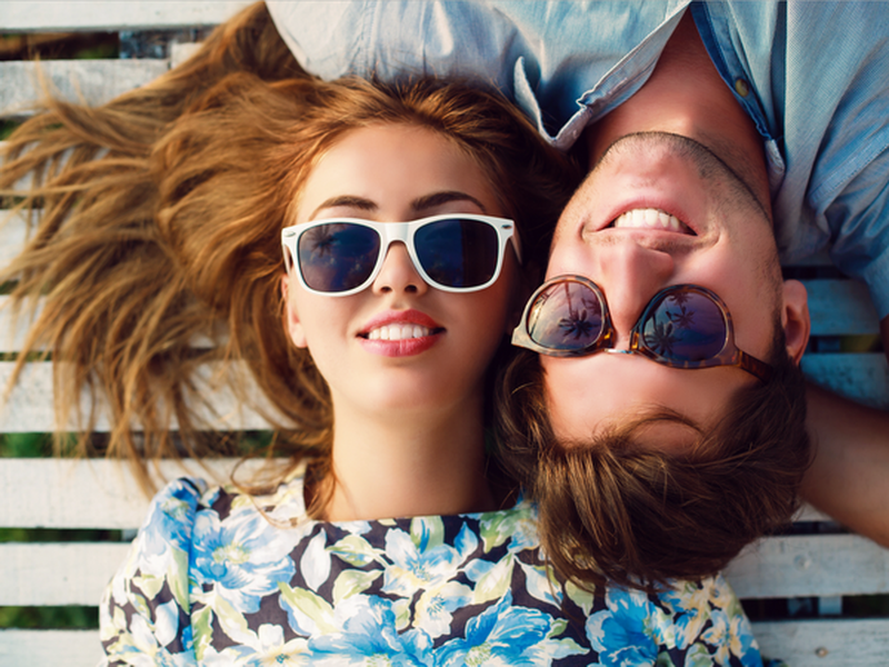 Vì sao các đôi hạnh phúc ít chia sẻ trên mạng xã hội | Xã hội | PLO
